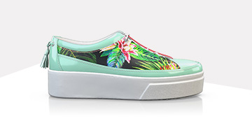 Green platform sneakers with print
